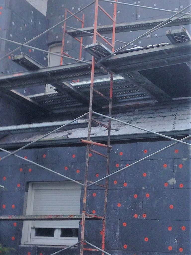 Façade humide : traitement contre l'humidité par isolation thermique
