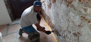 Travaux de traitement anti salpêtre à Sint Pieter Kapelle